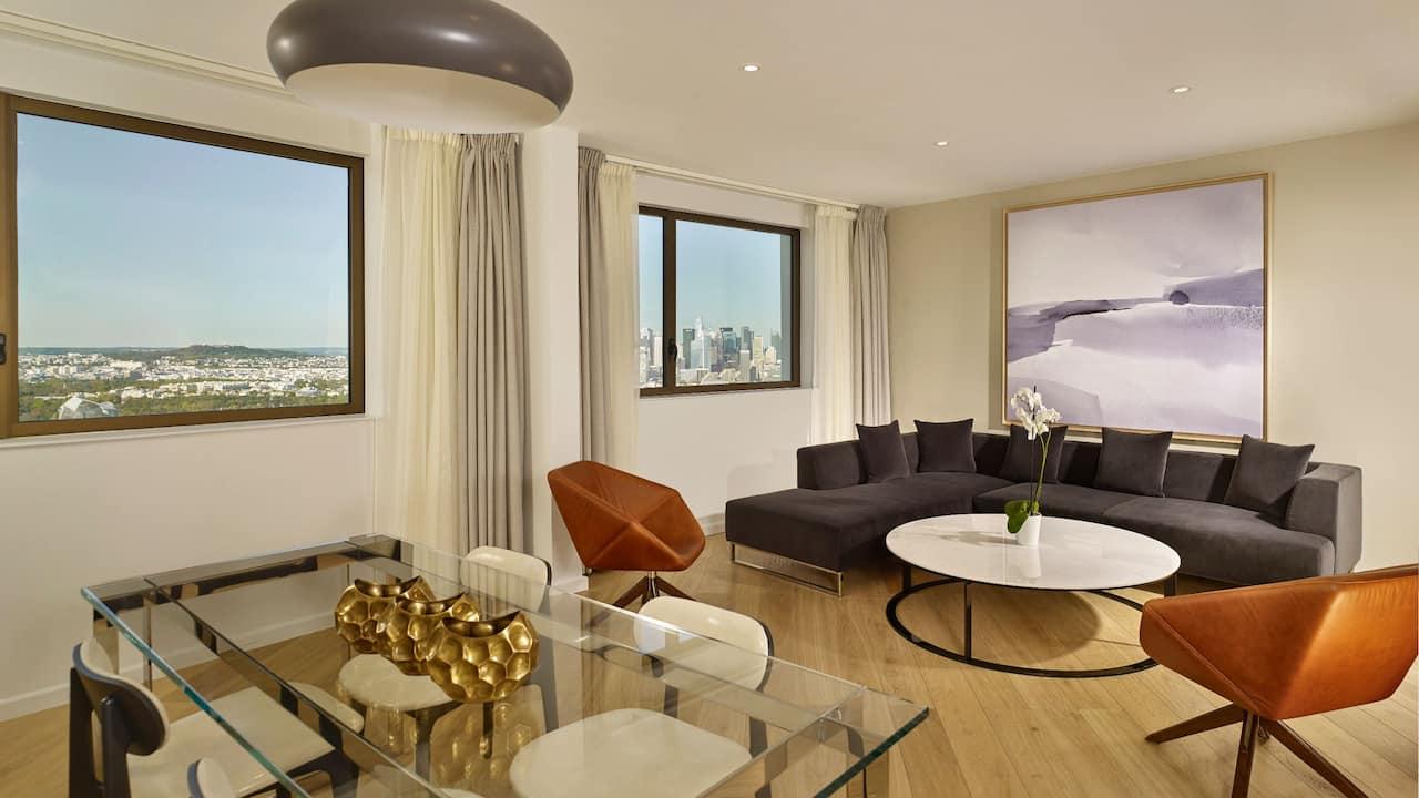 Regency Executive SuiteatHotel Hyatt RegencyParis Etoile