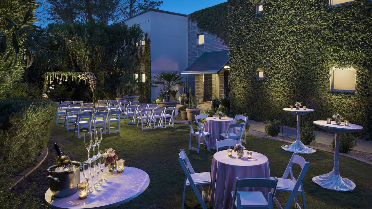 Gainey House Lawn Wedding