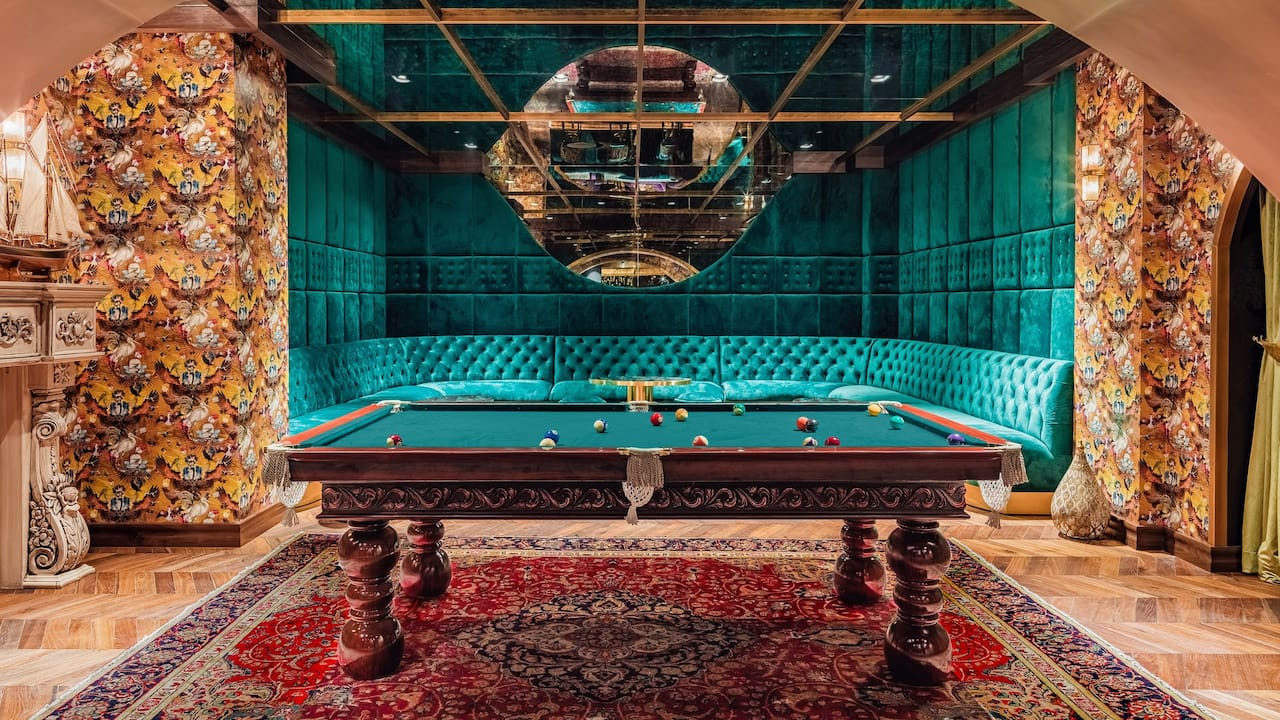Eve Pool Table
