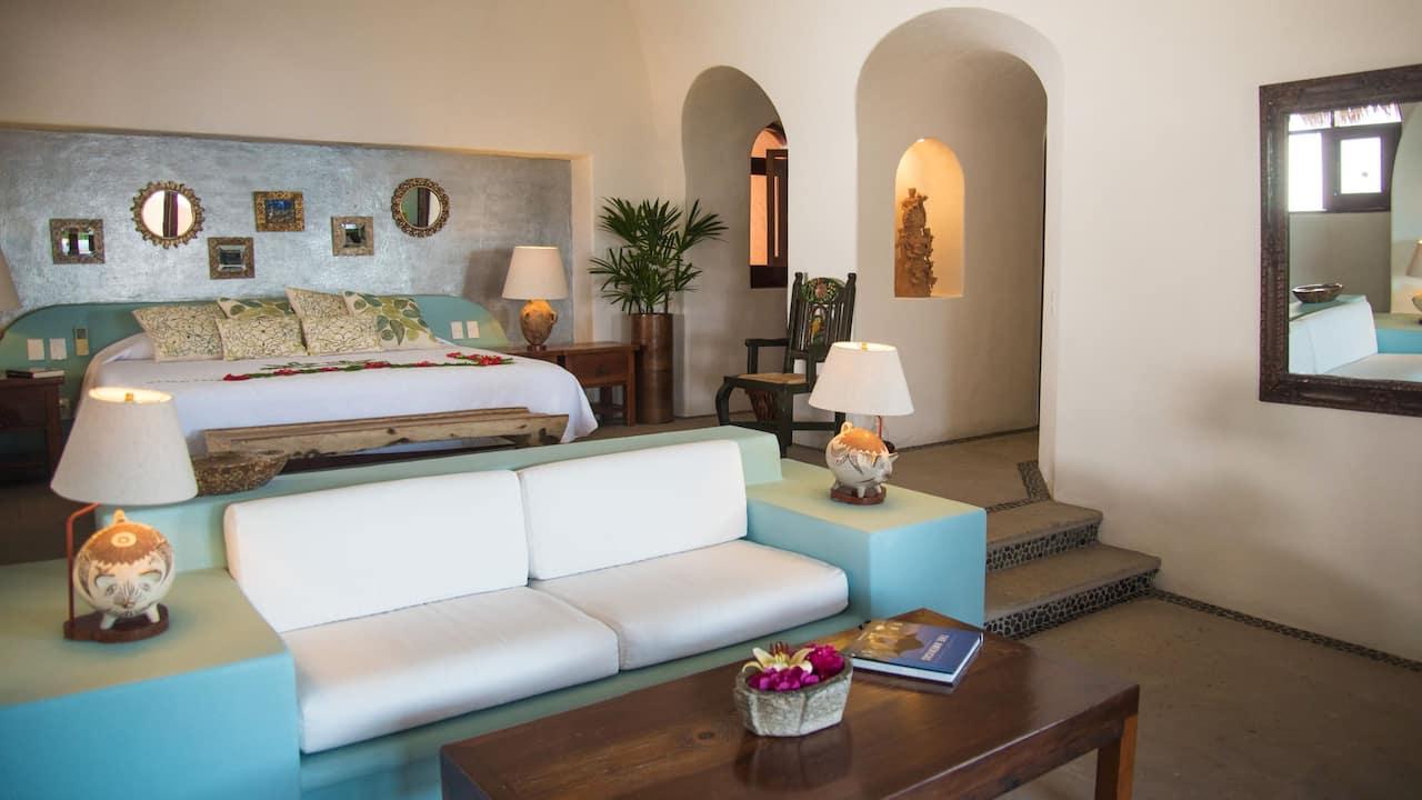 Villa El Murmullo – Oceanfront Garden Suite