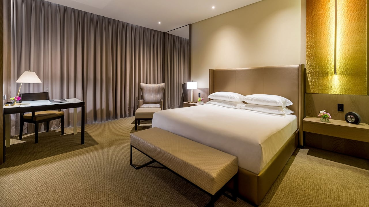 King Bed Grand Hyatt Bogota