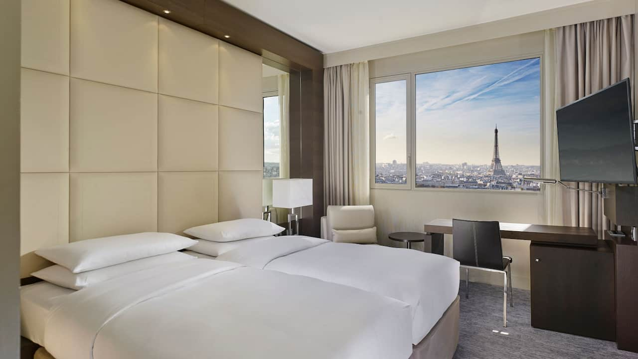 Twin Room Eiffel Tower View at Hotel Hyatt Regency Paris Etoile