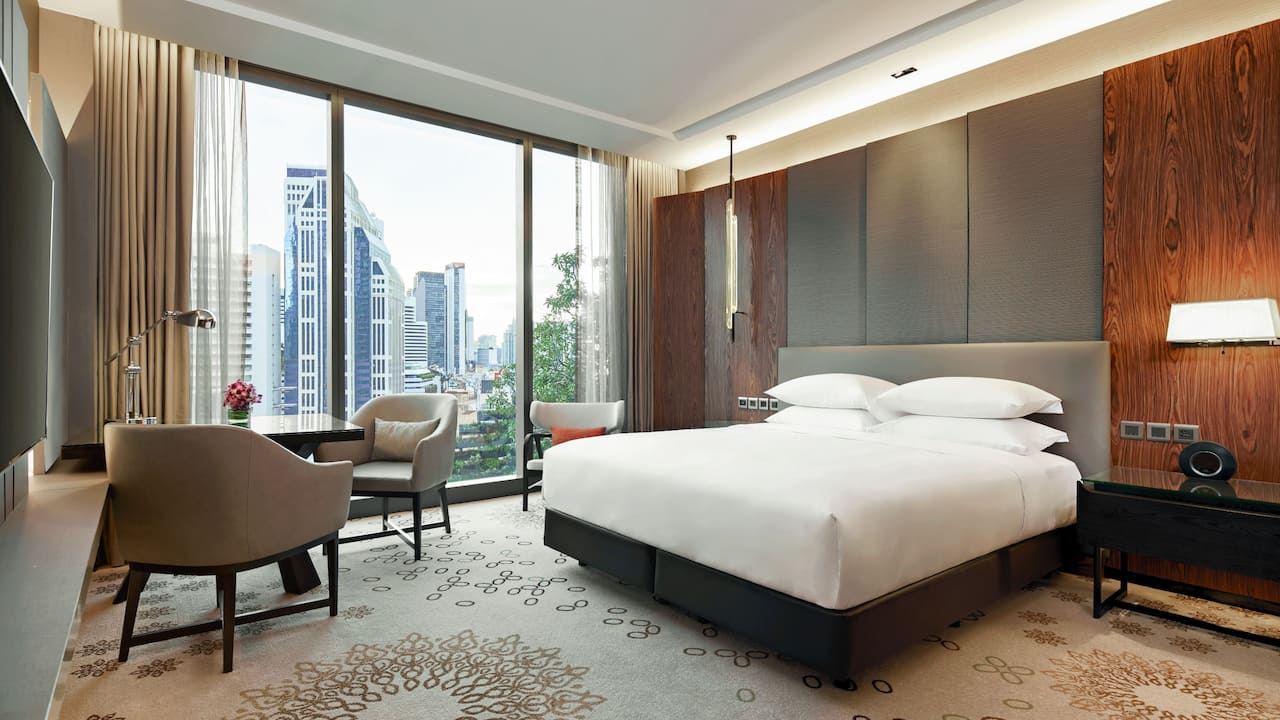 Hotel Near Central World Bangkok with King Bed at Hyatt Regency Bangkok Sukhumvit