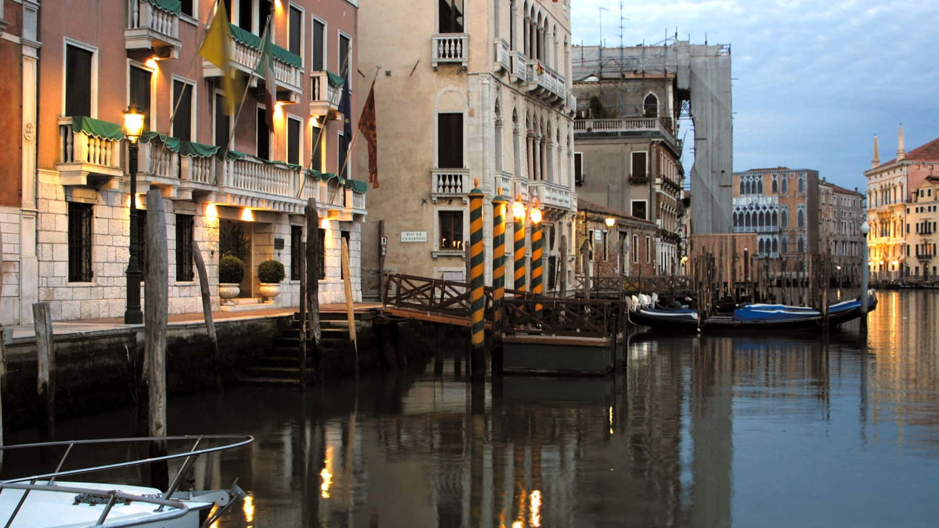 Palazzo Sant Angelo sul Canal Grande