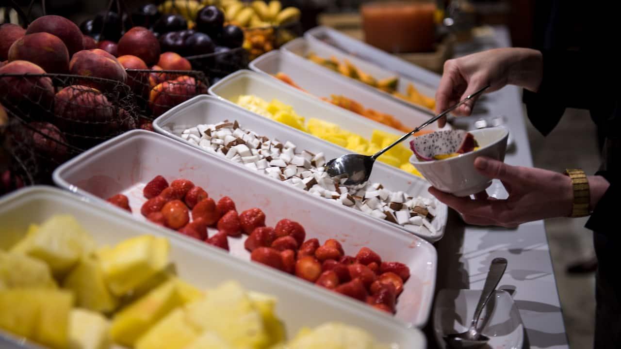 Hyatt-Regency-Paris-Etoile-Breakfast-Fruits