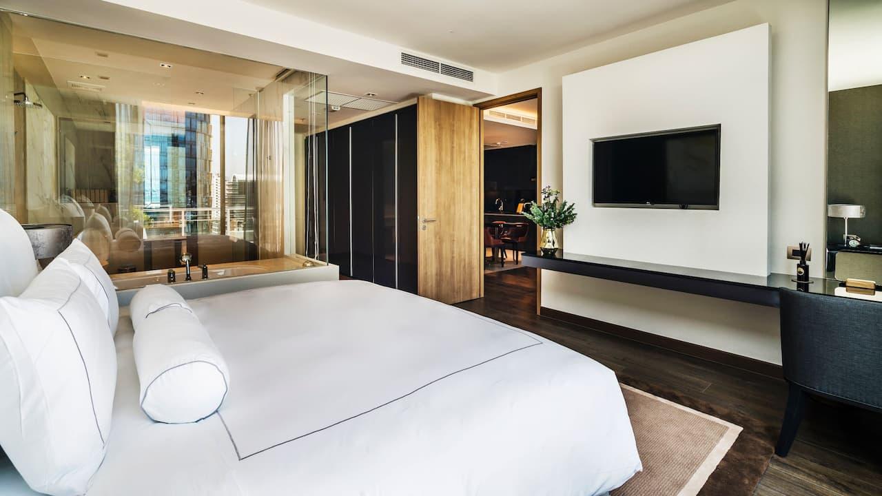 akyra Thongolor suite bedroom