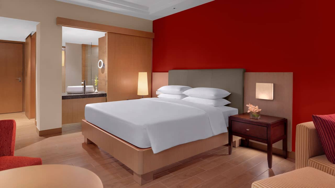 Hyatt Regency Kuantan Hotel Rooms 1 King Bed with Club Access
