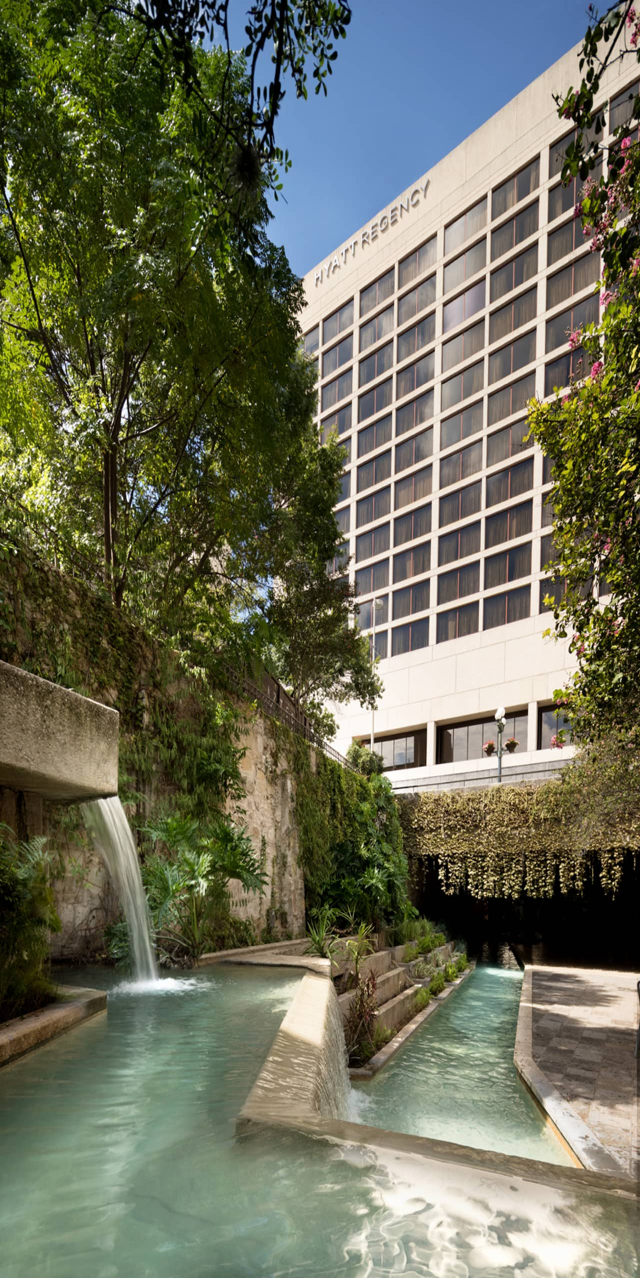 Exterior view of the Hyatt Regency San Antonio Riverwalk