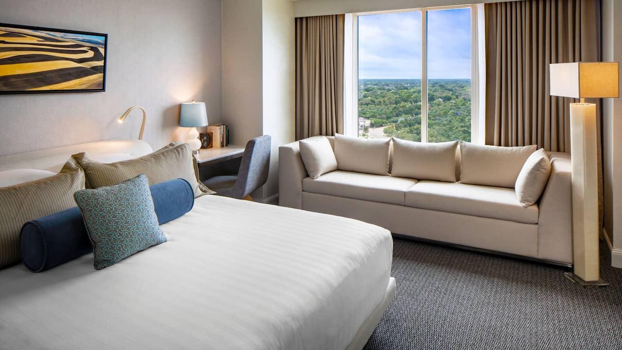 Rooms Hyatt Regency Wichita