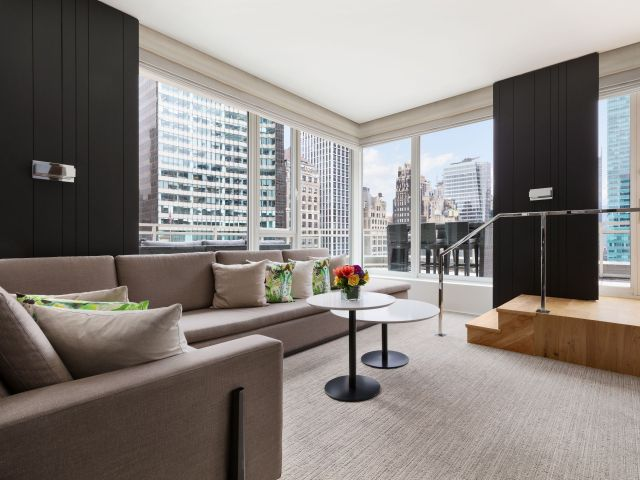 Andaz 5TH AVENUE Empire Terrace Suite Living Room