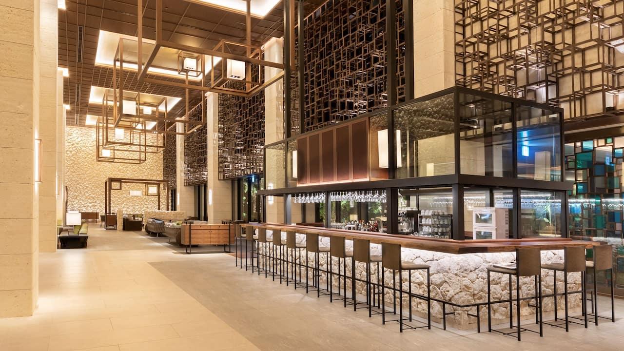 Hyatt Regency Seragaki Island Okinawa Lobby-Bar