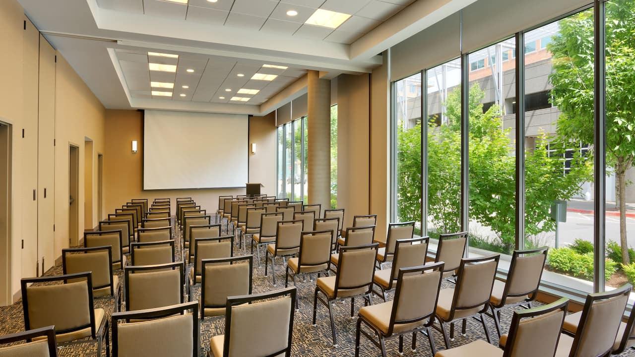 Downtown Portland Hotel with Meeting Space Theatre Seating at Hyatt House Portland Downtown