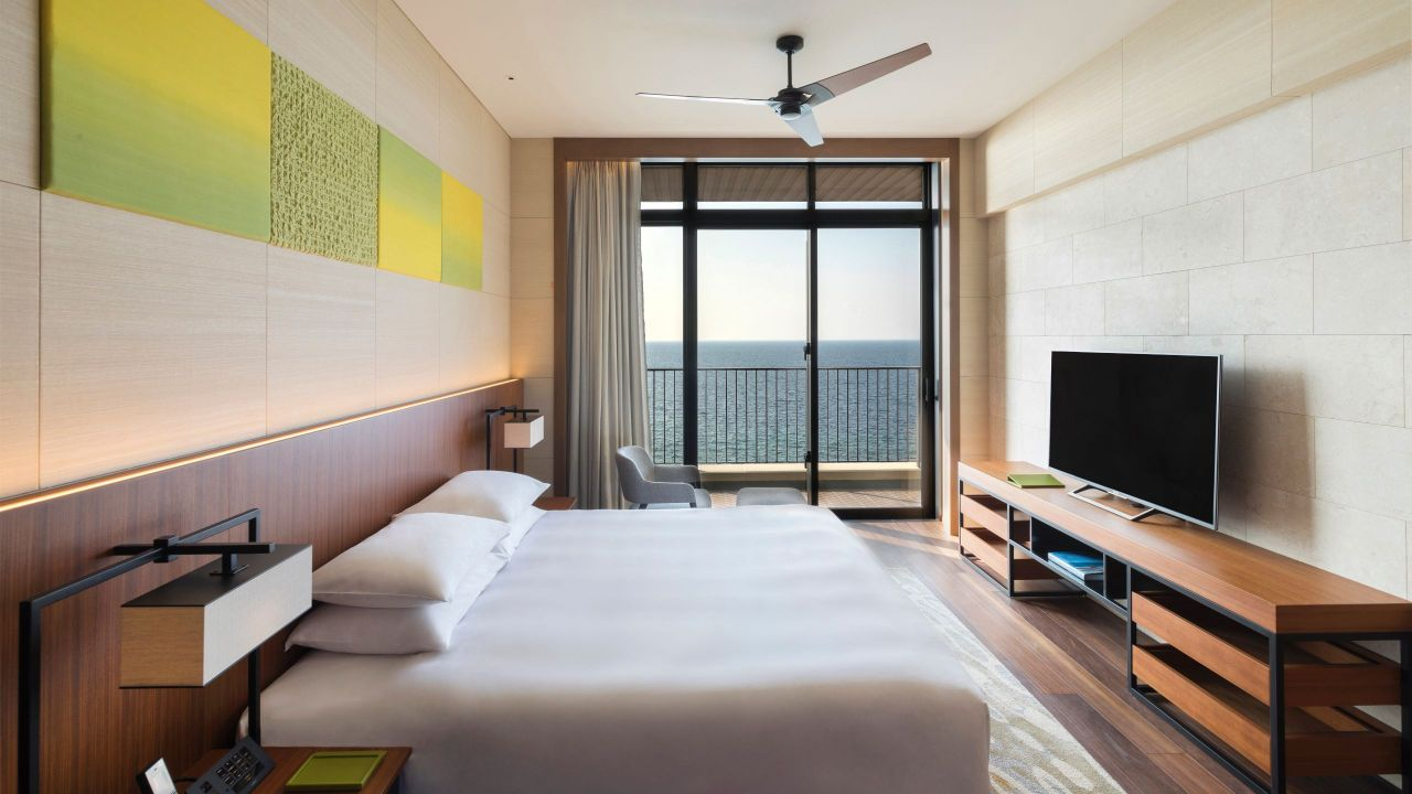 Hyatt Regency Seragaki Island, Okinawa Lagoon Suite Bedroom
