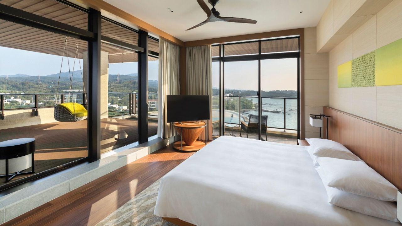 Hyatt Regency Seragaki Island, Okinawa Sunset Corner Suite Bedroom