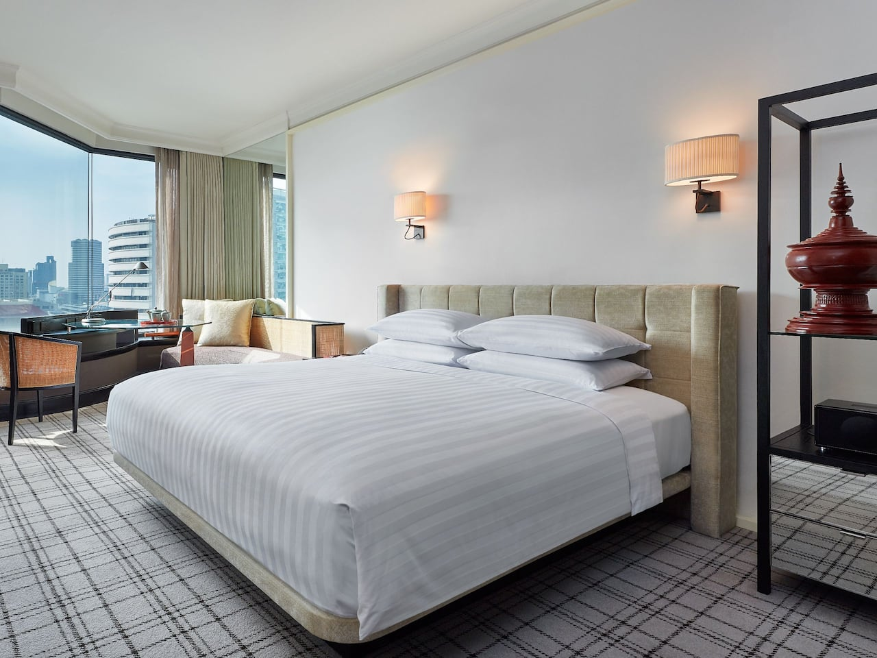 1 King Bed View Club Access - Grand Hyatt Erawan Bangkok