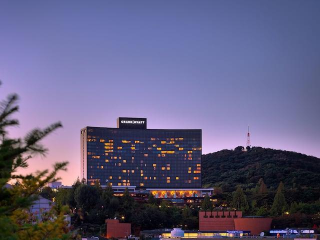 Grand Hyatt Seoul Exterior Sunset
