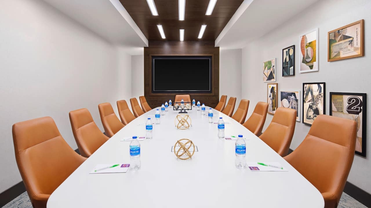 Crossing Boardroom