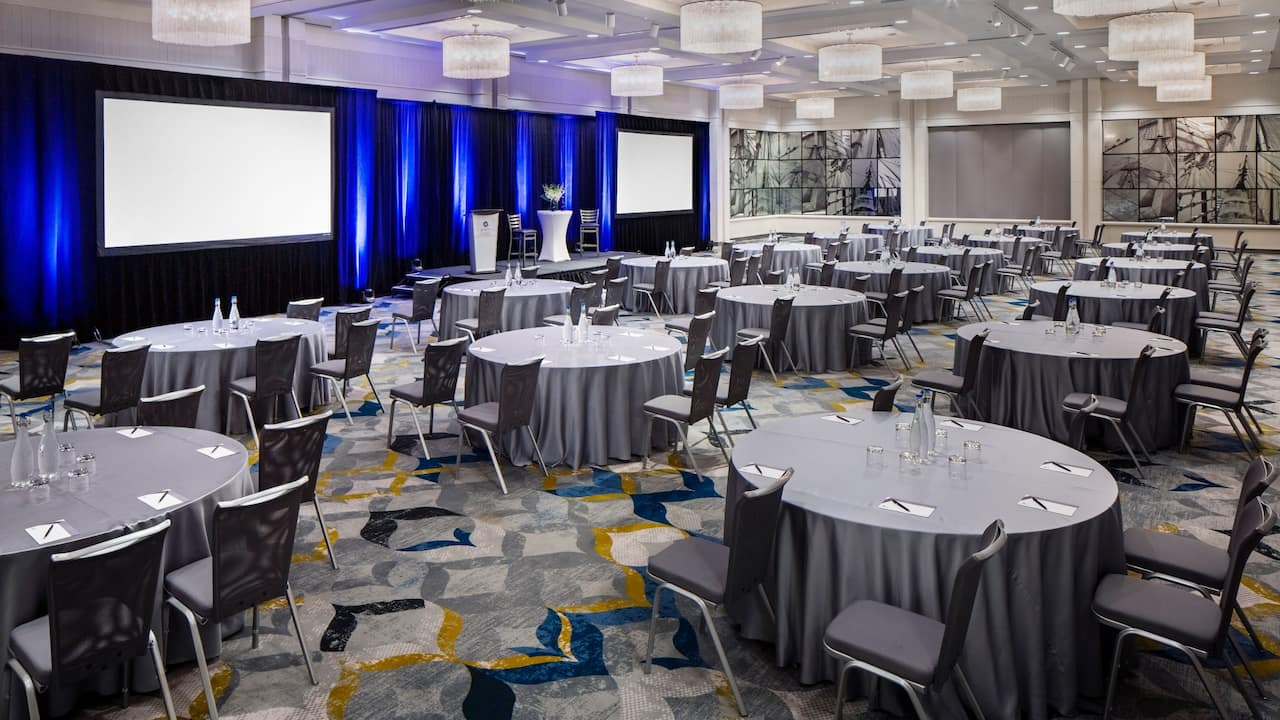 Grand Ballroom Crescent Round Tables