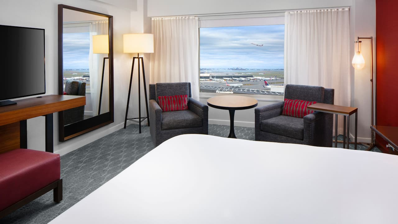 King Aviation Guestroom