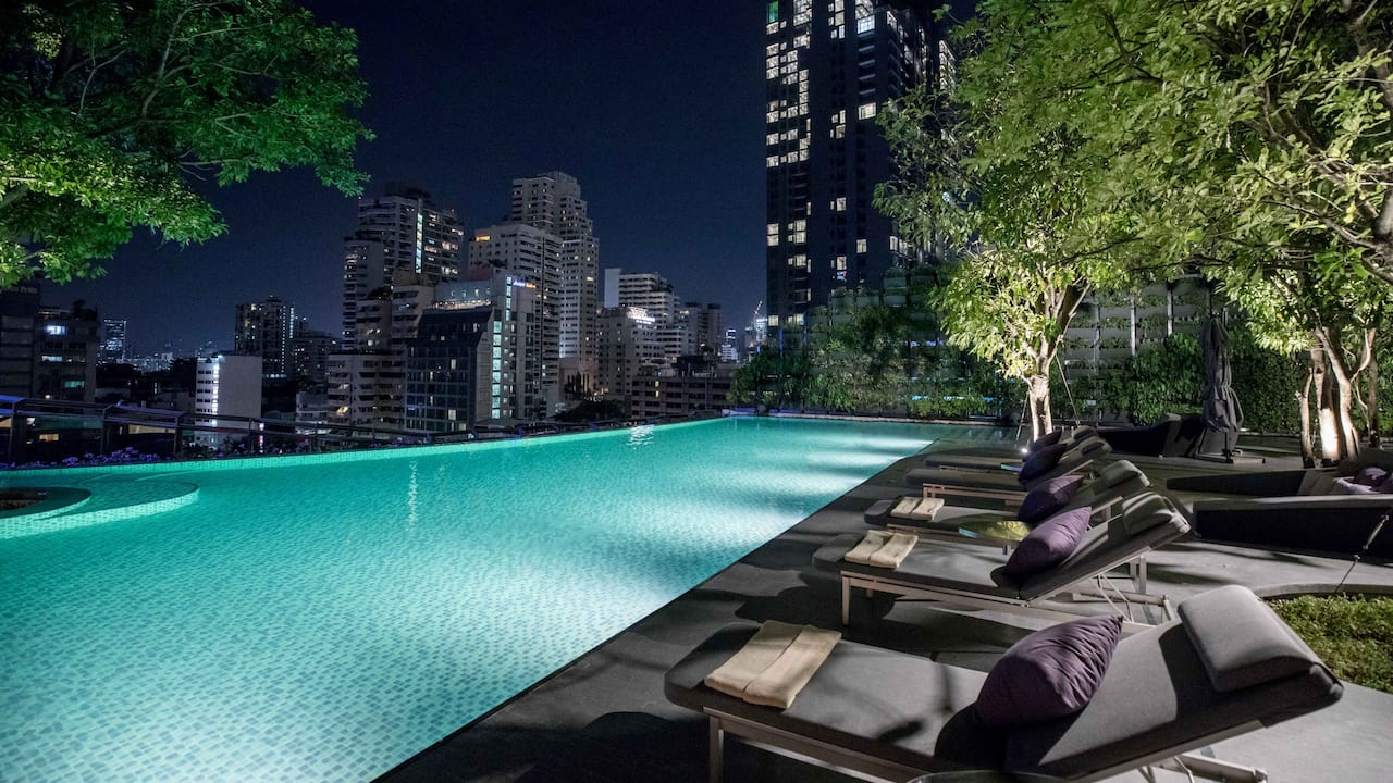 Hyatt Regency Bangkok Sukhumvit Outdoor Swimming Pool Night