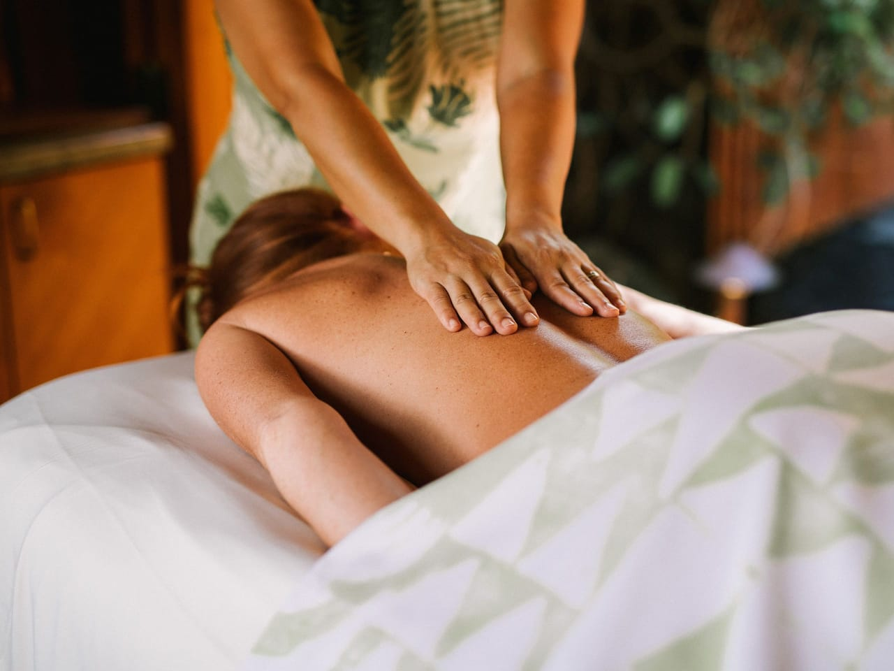 Massage at Anara Spa