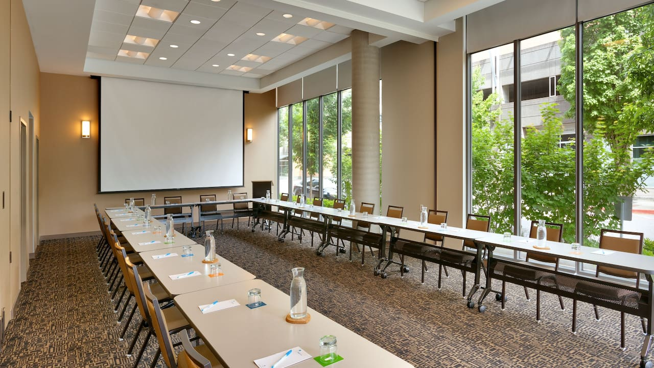 Ushape Meeting Room