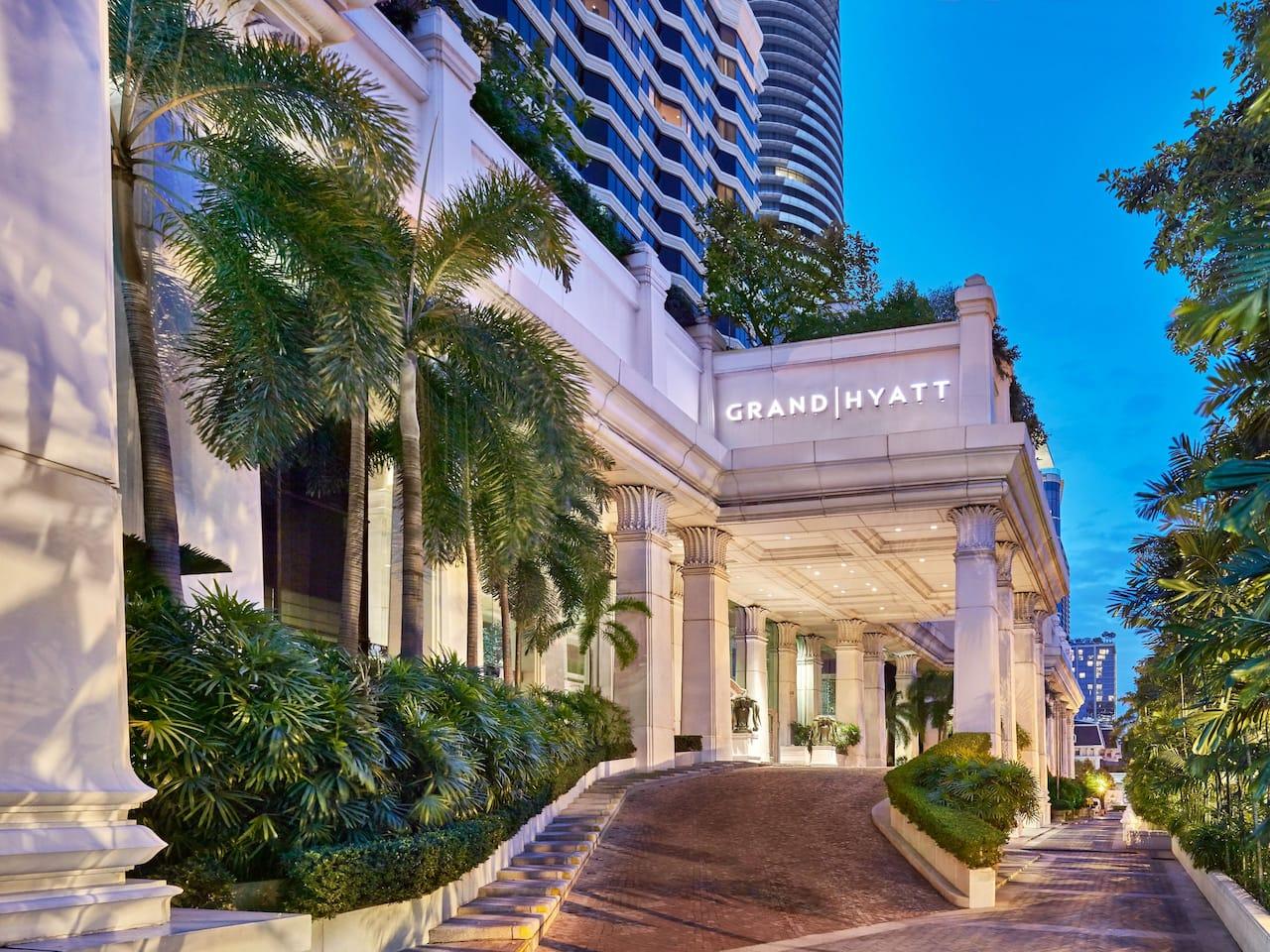 Hotel Exterior - Grand Hyatt Erawan Bangkok