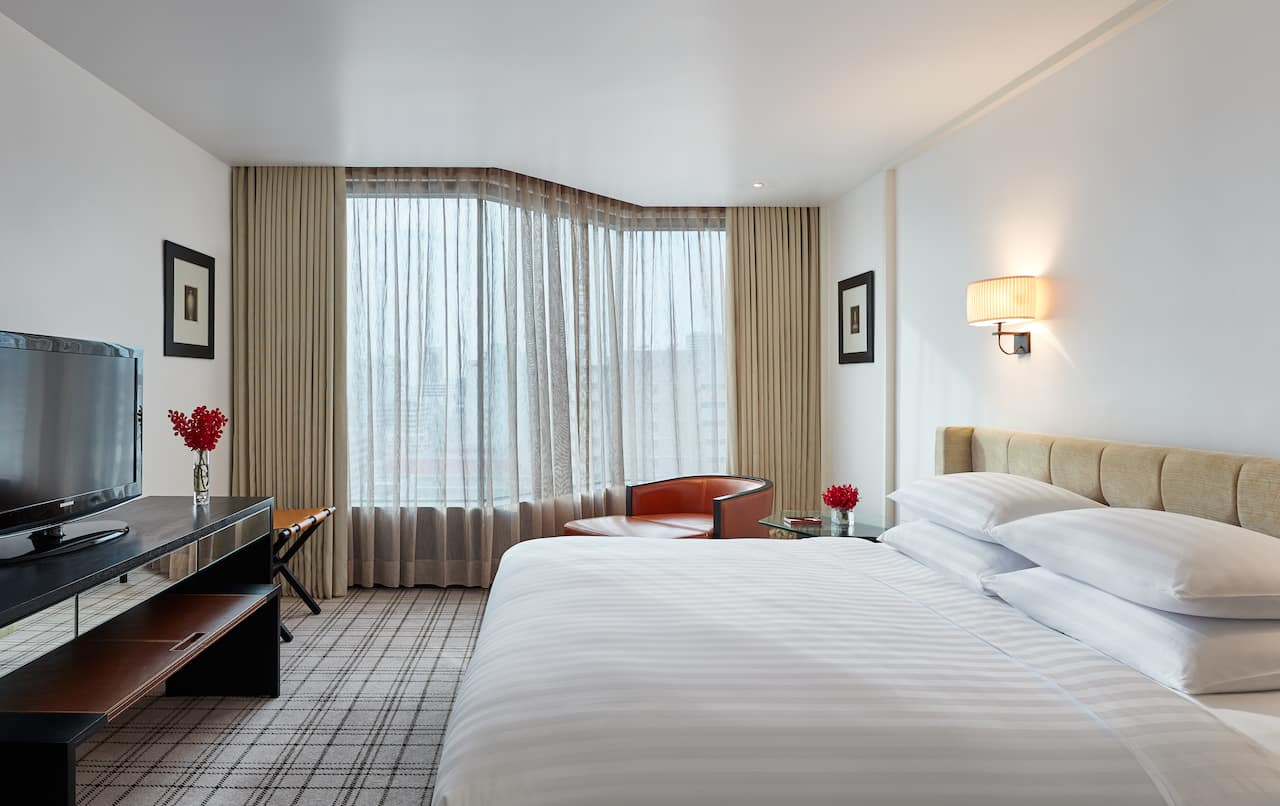 Premier Suite Bedroom - Grand Hyatt Erawan Bangkok