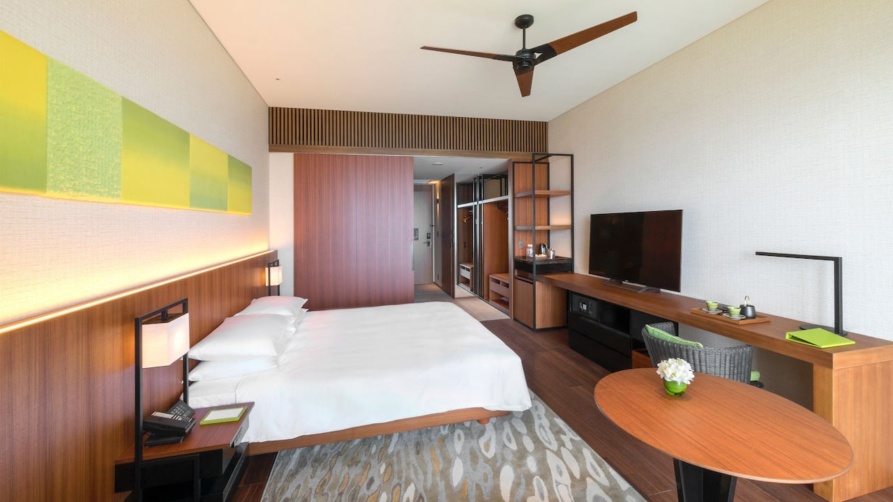 Hyatt Regency Seragaki Island, Okinawa 1 King Bed Bedroom