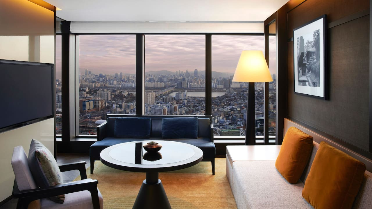 Executive Suite Living Room Sunset at Grand Hyatt Seoul