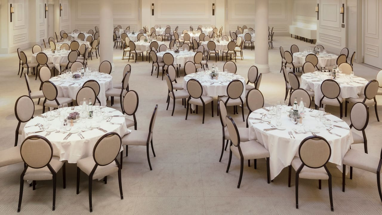 Regency Ball Room at Hotel Hyatt Regency Chantilly
