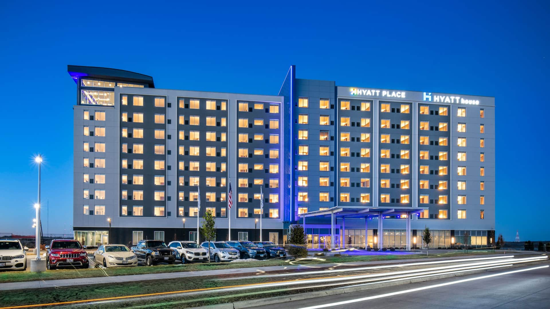 Hyatt House East Moline Exterior Night