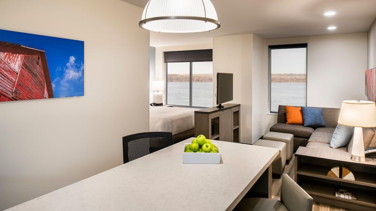 High Floor Studio King Suite Hyatt House East Moline / Quad Cities