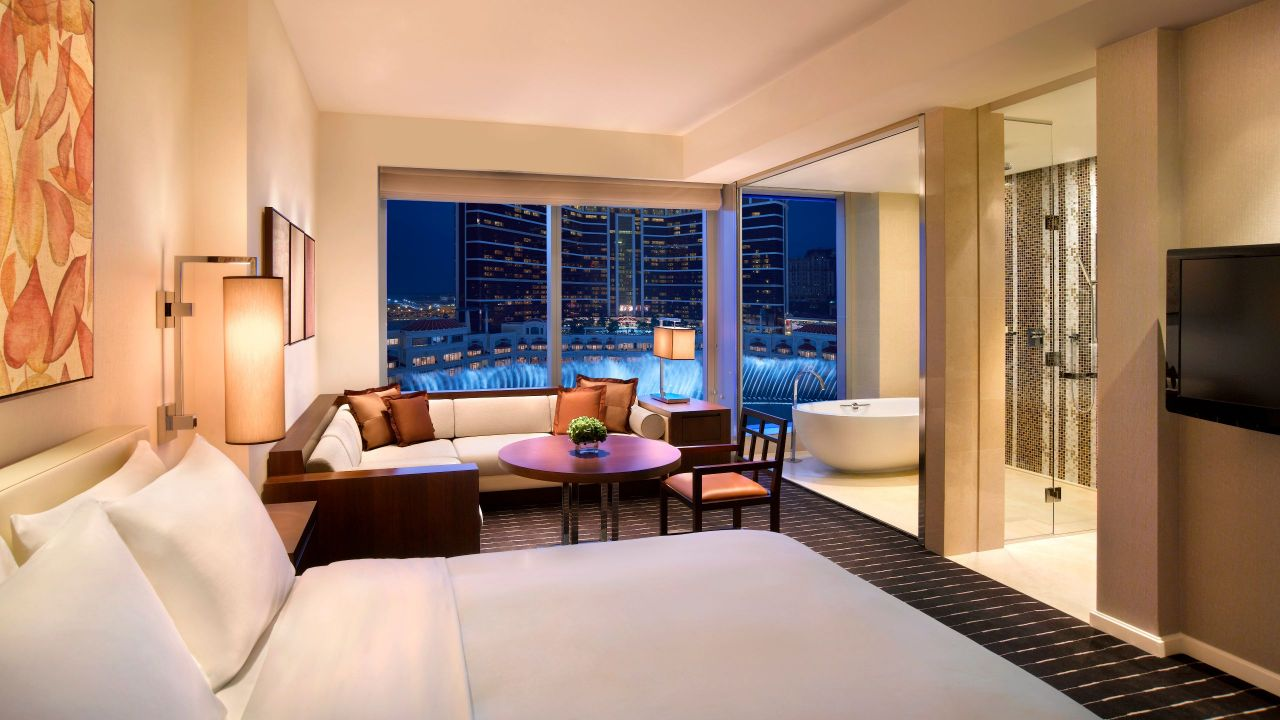 Hyatt Grand Macao 1 King Bed Fountain View