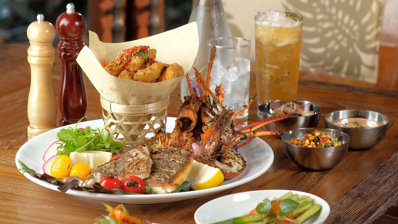 Seafood platter food menu restaurant Omang Omang Sanur Bali