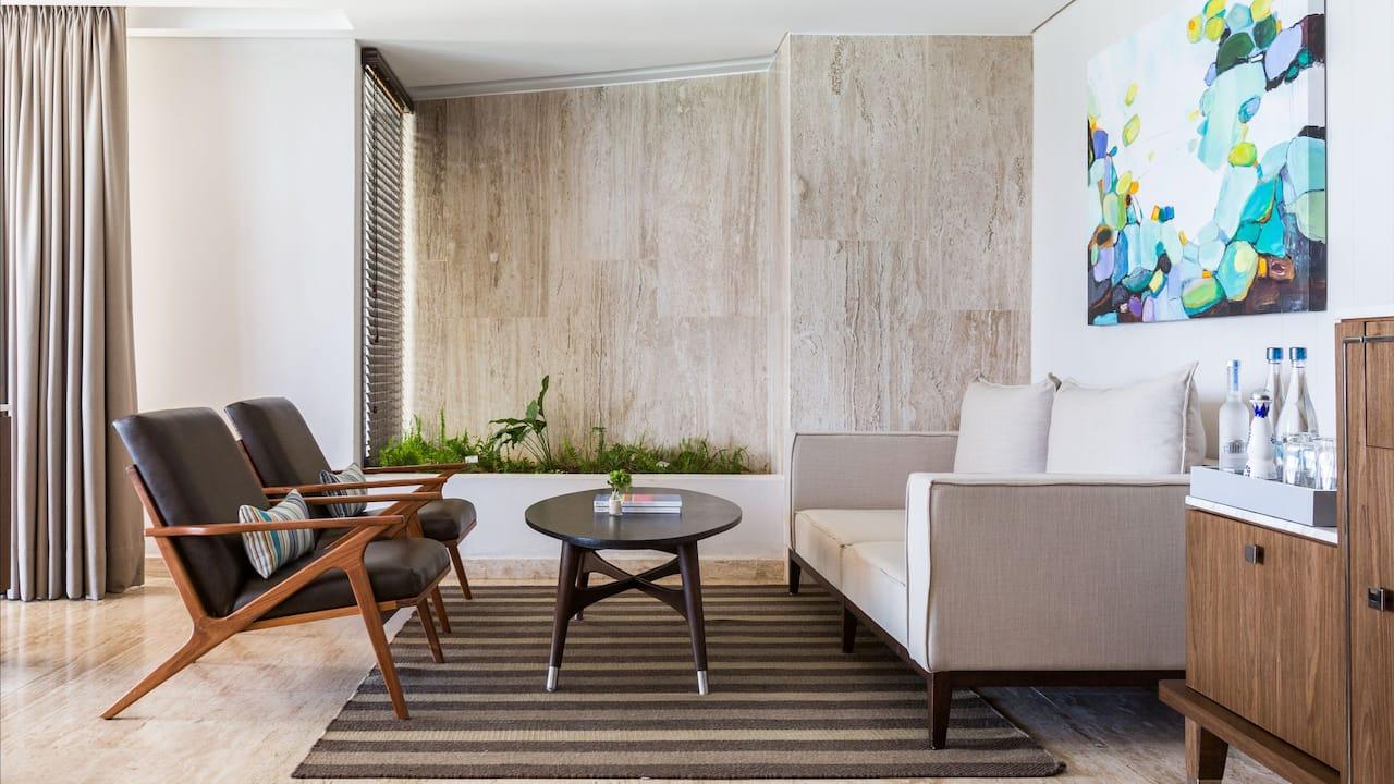 Panoramic Corner Suite