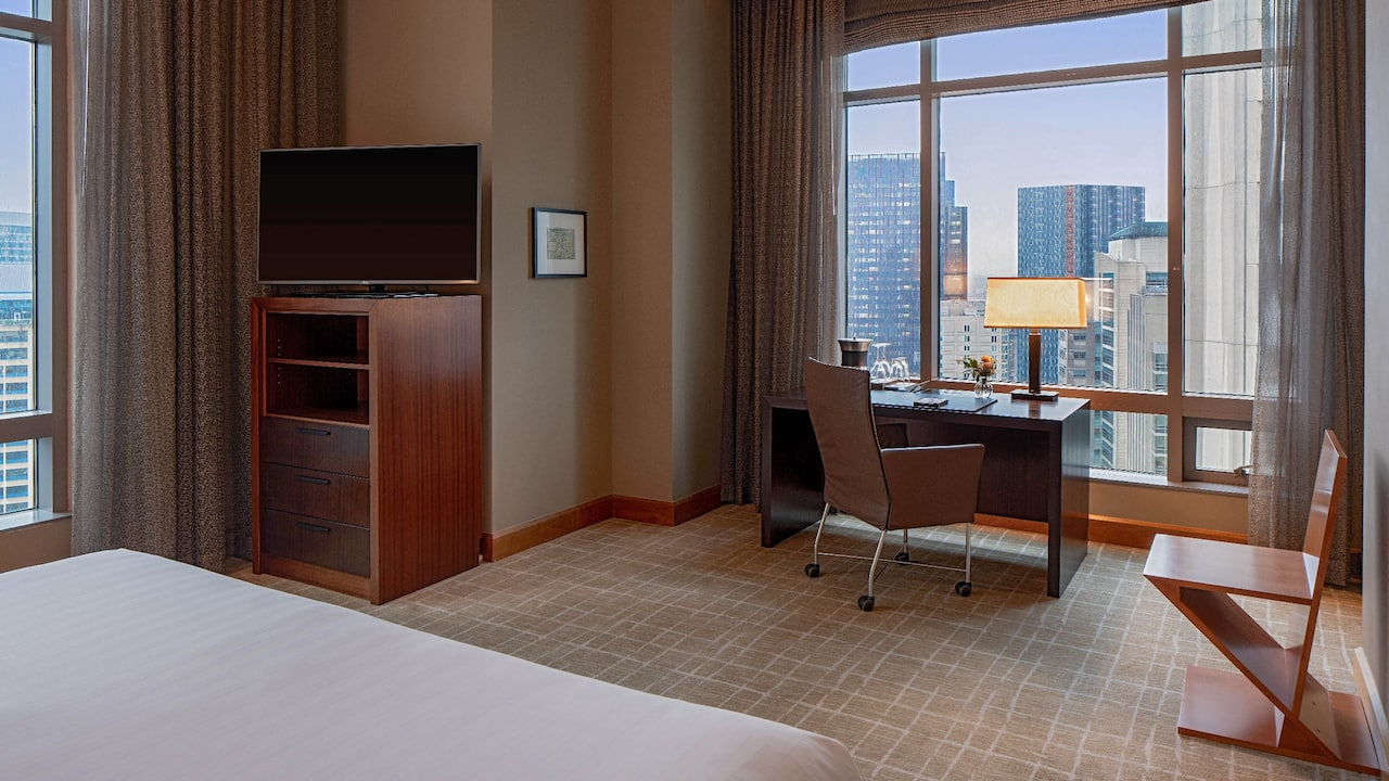 Grand Hyatt Seattle Emerald Suite