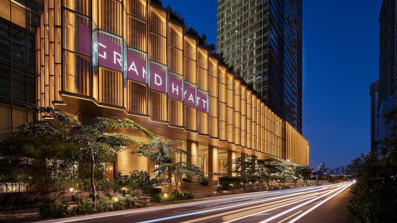 Grand Hyatt Manila Facade