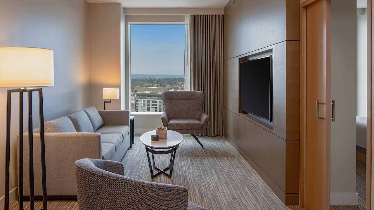Hyatt Regency Seattle Executive Suite Parlor