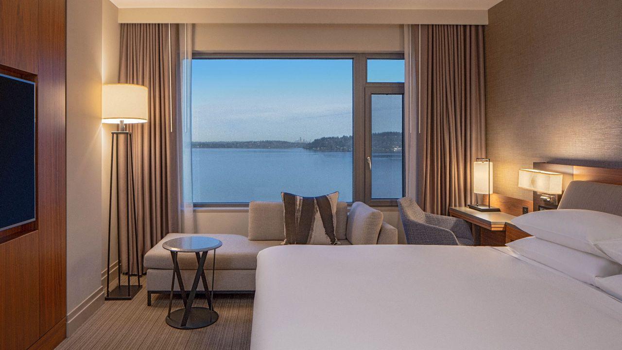 King Bedroom Lake View