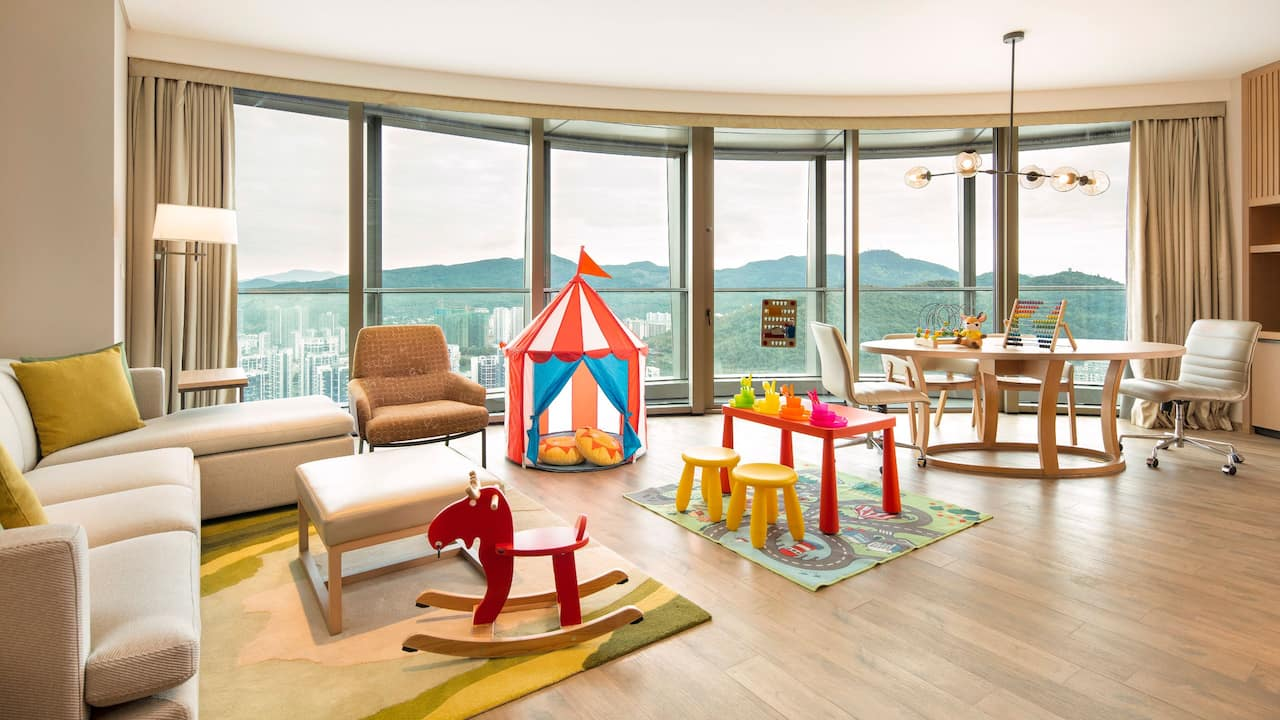 Parent Children Suite Living Room