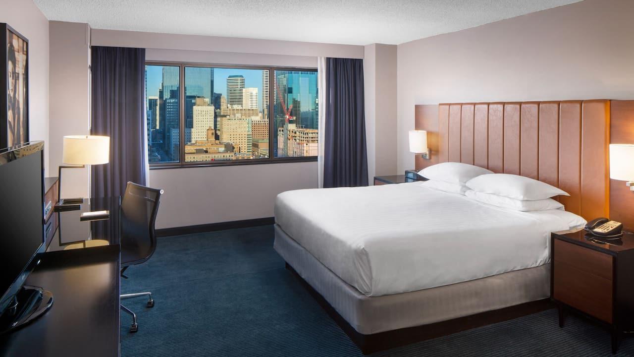 1 King Bed Room with City View Hyatt Regency Minneapolis