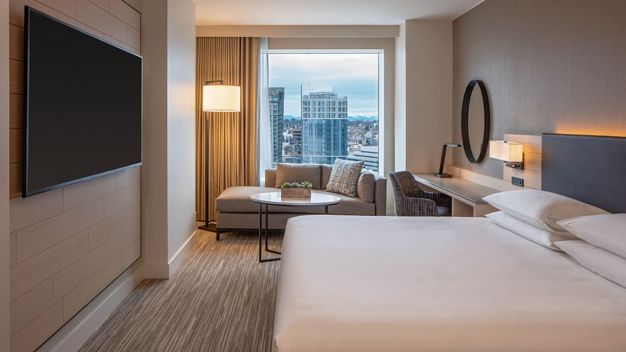 Hyatt Regency Seattle King Guestroom Shades Open