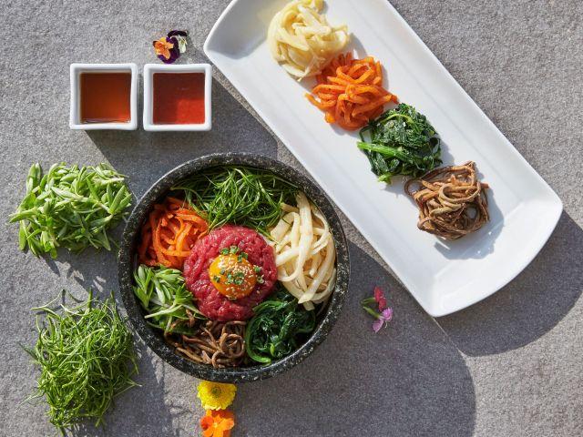 그랜드하얏트인천 육회비빔밥과 나물