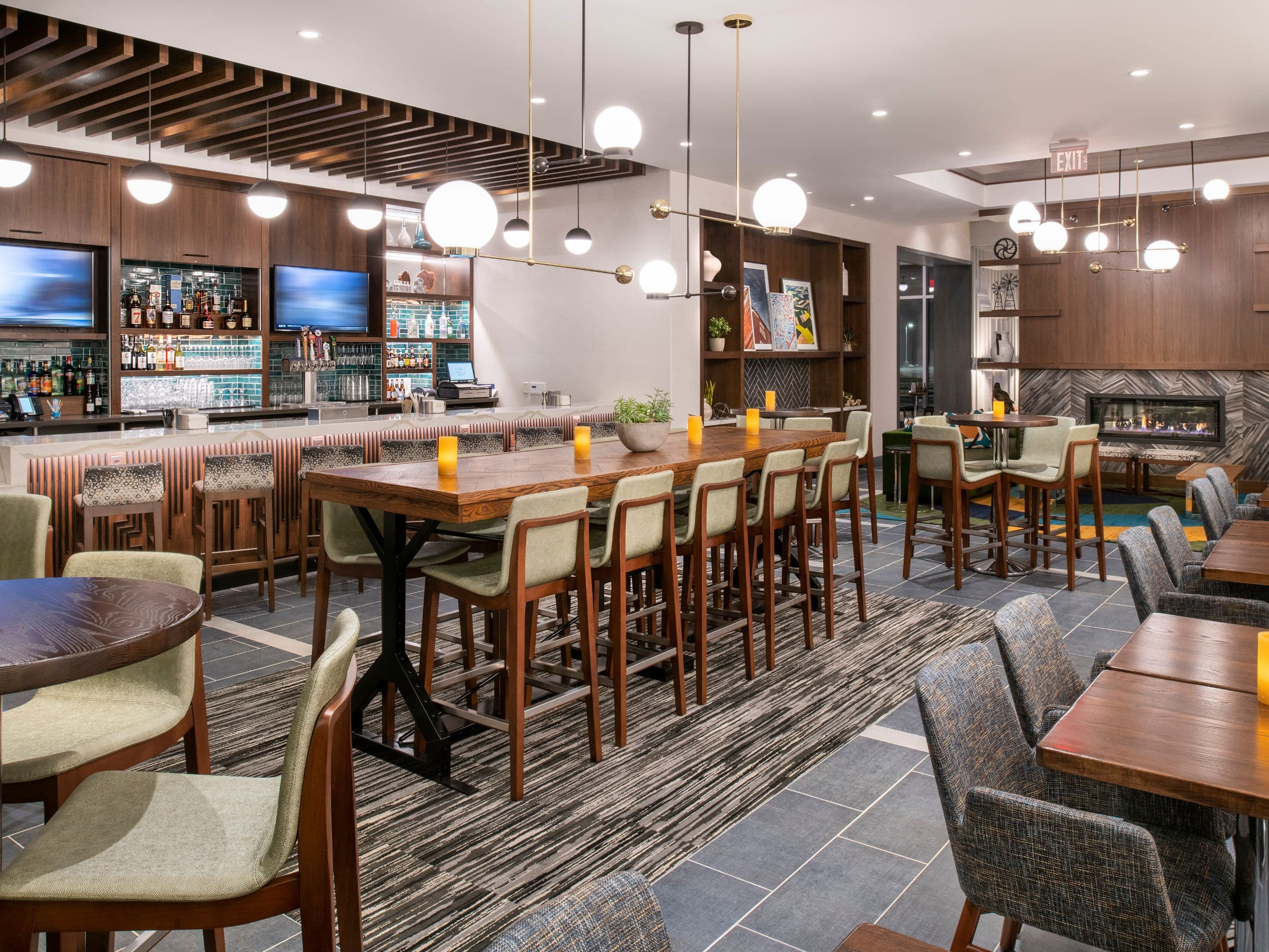 Modern hotel on the mississippi river hyatt place east moline quad cities