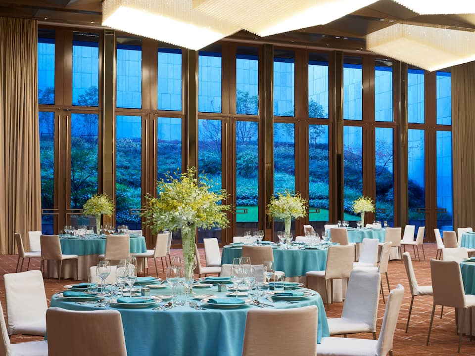 Ballroom Tiffany Blue Setup