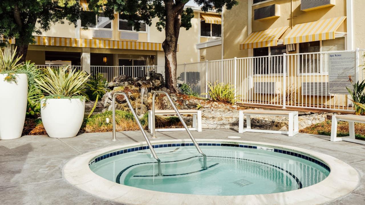 Wild Palms Hotel Hot Tub