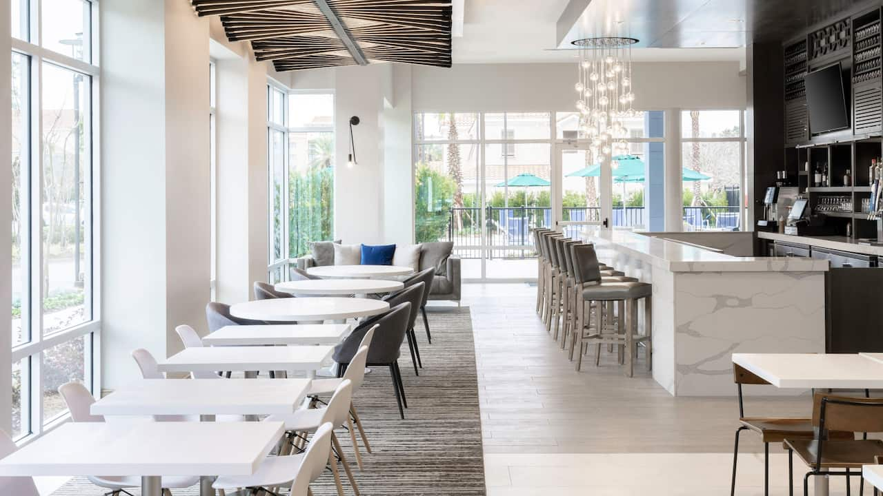 Dining Hyatt Place Sandestin at Grand Boulevard