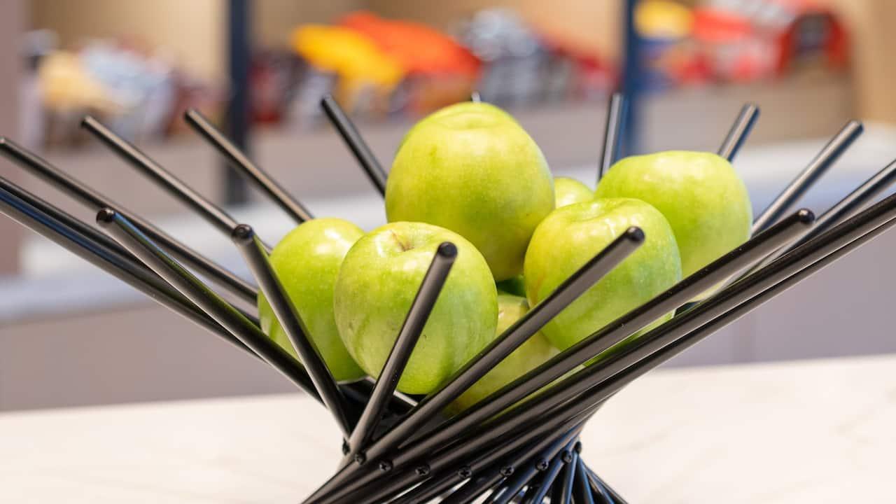Lobby Apples