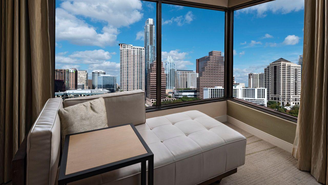 Hyatt Regency Austin King Riverview Corner Room